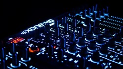 Как создается музыка Trance DJ и в чем ее особенность